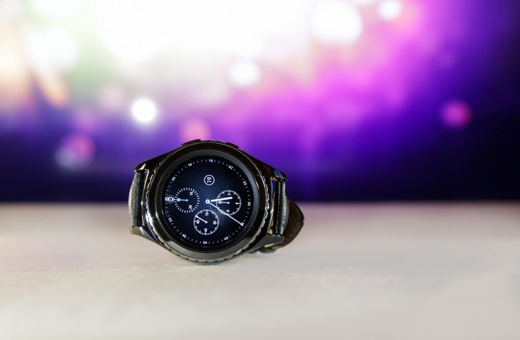 Samsung Gear S3 Review - Buyer's Guide, Features & Specifications